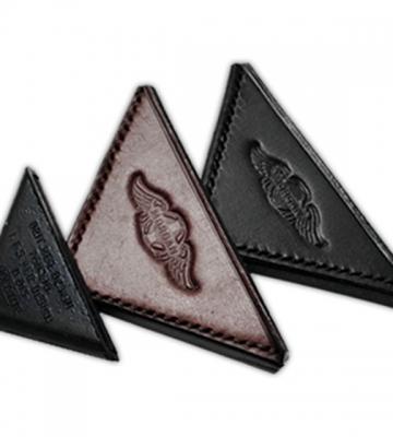 Hoek voor motorkap in bruin of zwart leder (per paar) [ART 84A] 28,08€ BTW inb